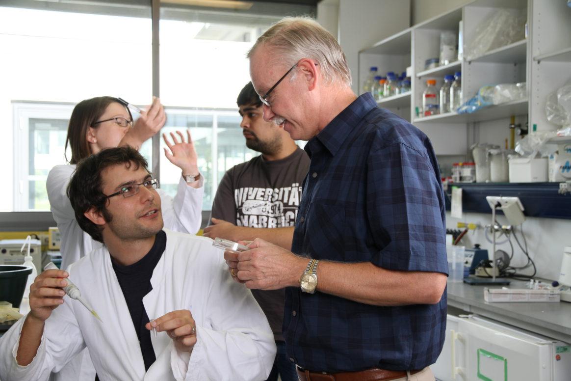 Prof. Dr. Franz-Ulrich Hartl - Ernst Schering laureate 2016 in the laboratory