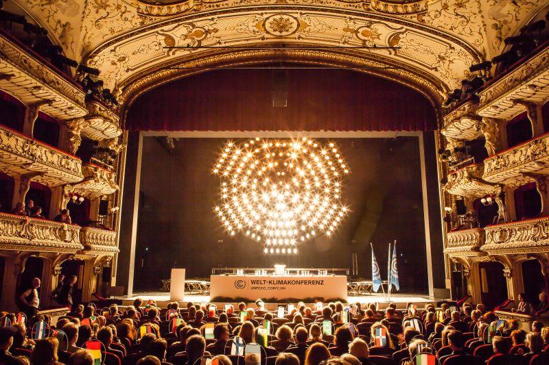 Rimini Protokoll, Weltklimakonferenz  Deutsches Schauspielhaus Hamburg, 2014