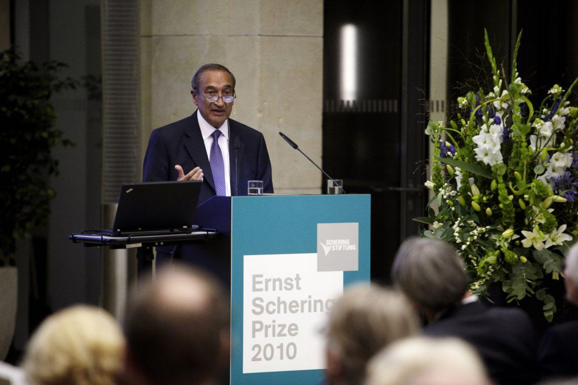 Prof. em. Sir Ravinder Maini - Ernst Schering Preisverleihung 2010