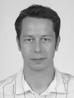 Dr. Tom N. Großmann