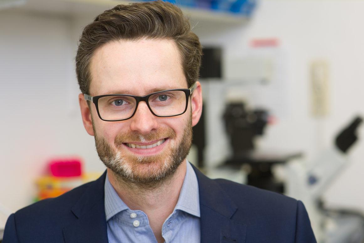 Dr. Alexander Bartelt