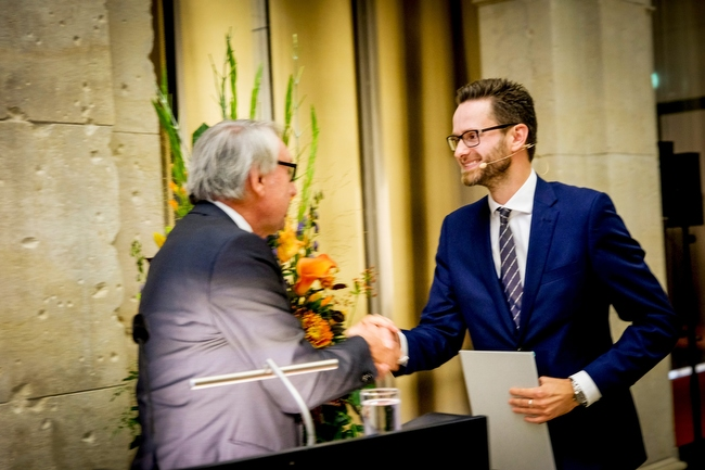 Award Ceremony 2018: Ernst Schering Prize to Bonnie L. Bassler & Friedmund Neumann Prize to Alexander Bartelt. At the Berlin-Brandenburgischen Akademie der Wissenschaften in Berlin September 26th 2018