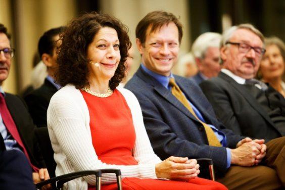Verleihung des Ernst Schering Preises an Bonnie L. Bassler & des Friedmund Neumann Preises an Alexander Bartelt. In der Berlin-Brandenburgischen Akademie der Wissenschaften in Berlin am 26.09.2018