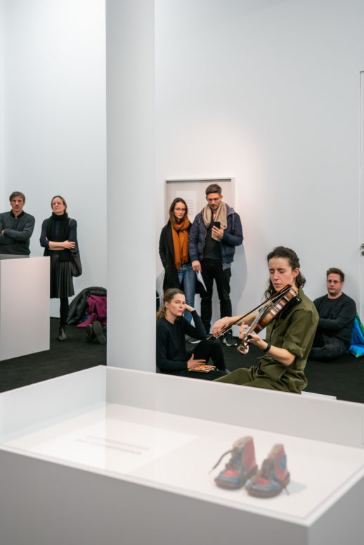 Ari Benjamin Meyers: Solo for Ayumi, Performance-Ausstellung, 18. Januar 2020