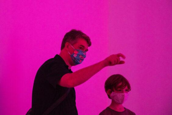 """Ausstellungseröffnung, Hyphen Labs """"PushMi PullYu""""  11.09.2020,  Schering Stiftung, Professor John-Dylan Haynes"""