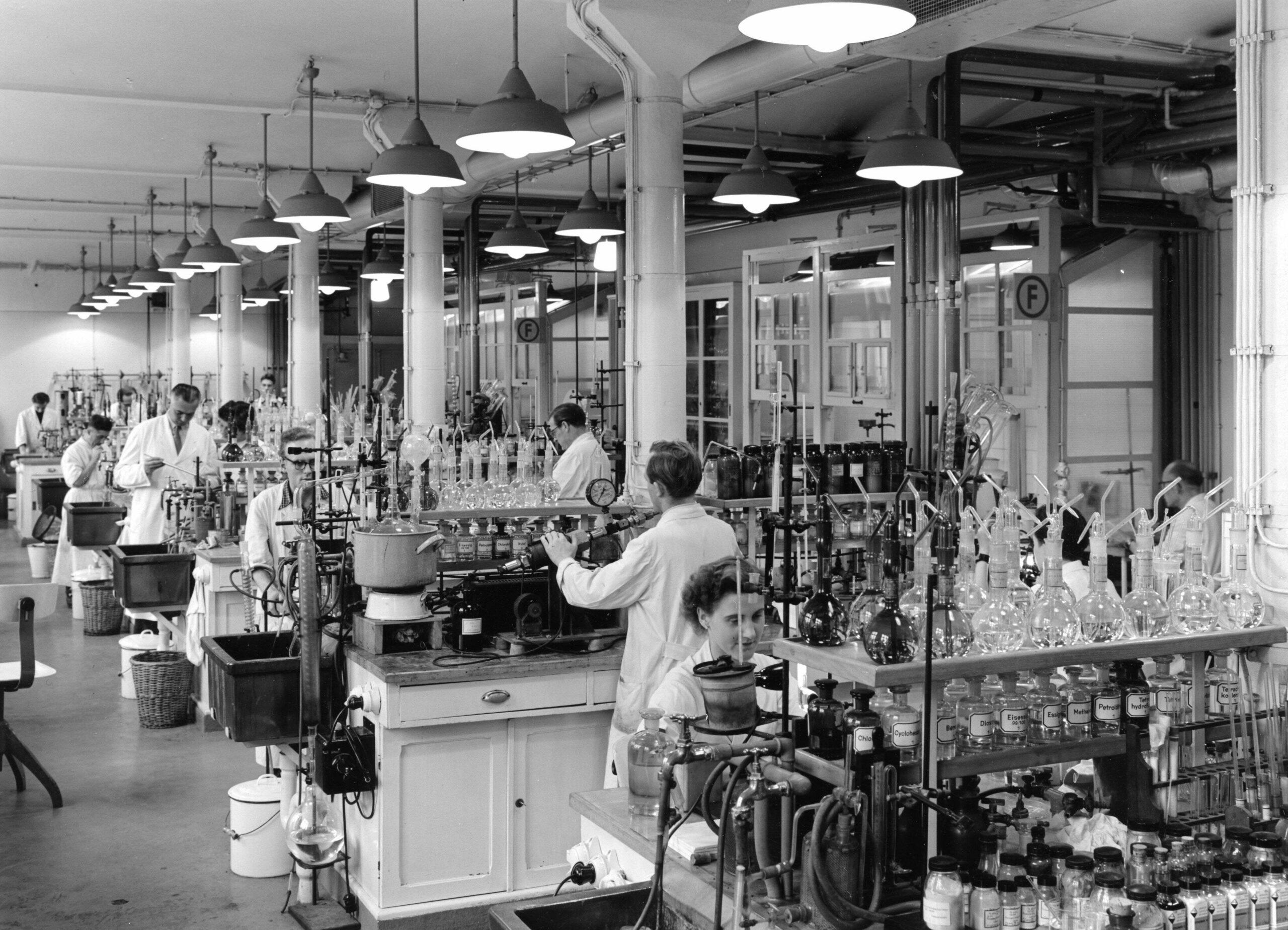 Die Pflanzenschutzforschung im Hauptlaboratorium der Schering AG im Jahr 1955