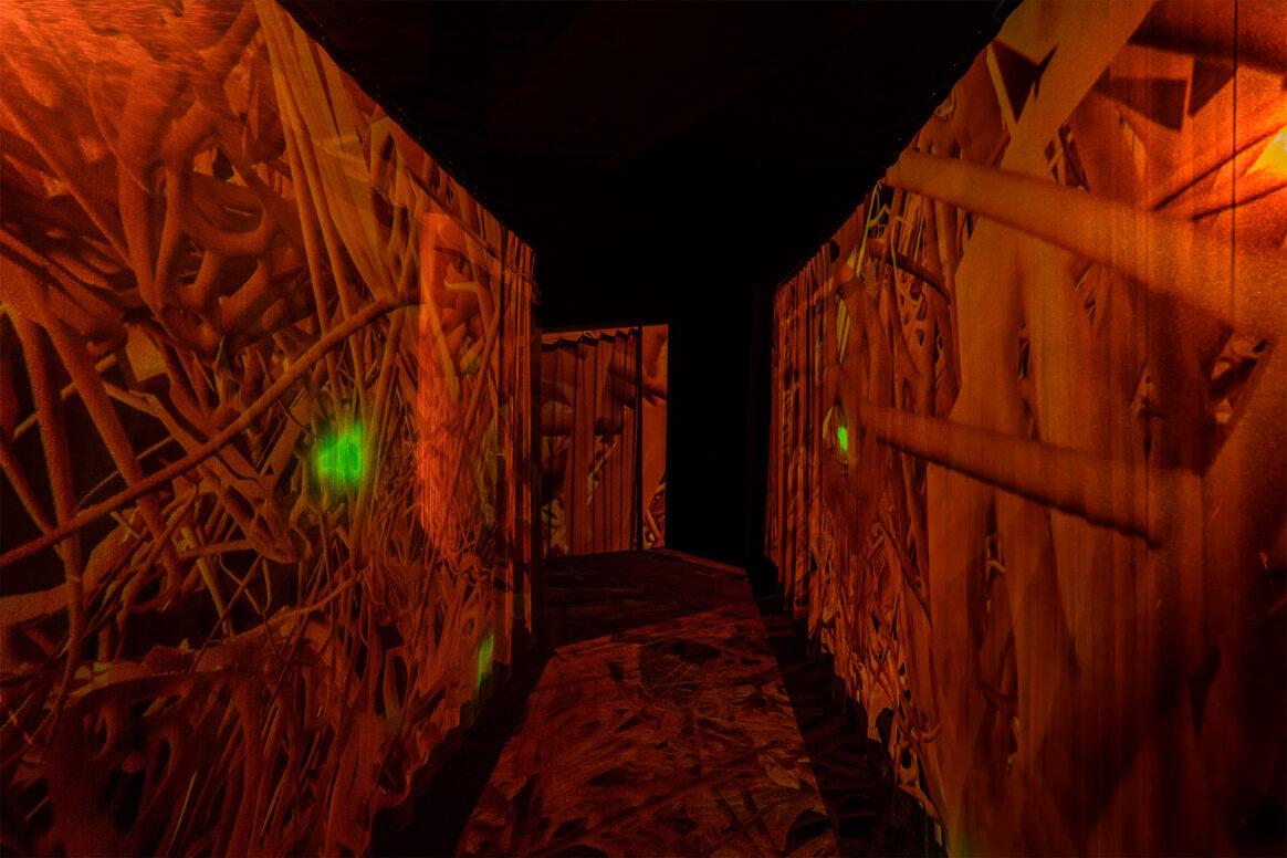 "Susanne M. Winterling: ""TEMPERATE. under your skin, nano carriers directed through the web of life"", installation view, Courtesy Susanne M. Winterling / Schering Stiftung © VG Bild-Kunst, Bonn 2021"