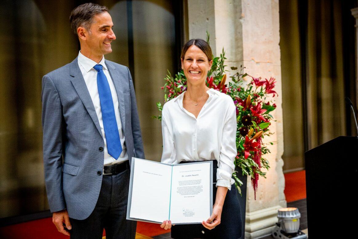 Prof. Dr. Tobias Feuchtinger, Dr. Judith Feucht - Award Ceremony 2021